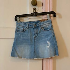 Zara girls blue jean skirt.Either worn once or NW